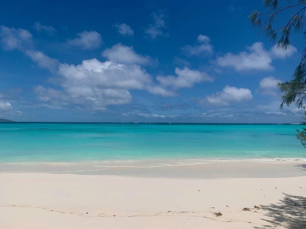 La plage de Luengoni à Lifou